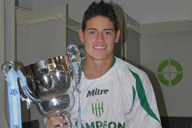 James Rodríguez, con Banfield