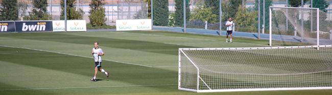 أشهر اللاعبين المصابين بأمراض خطيرة robben_sneijder_carrera.jpg