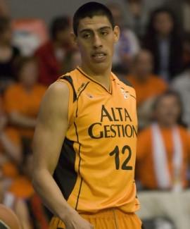 Gustavo Ay�n