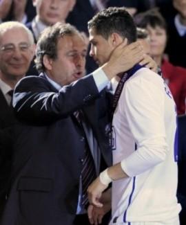UEFA-Madrid, una relación que se resquebraja  Platini%20Cristiano%20Ronaldo_6_ampliada
