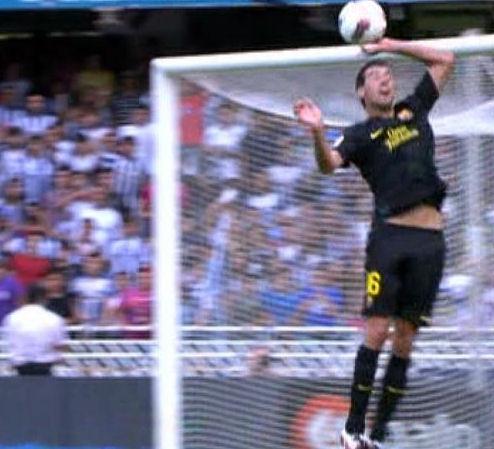 Sergio Busquets : El mejor 5 del Mundo!