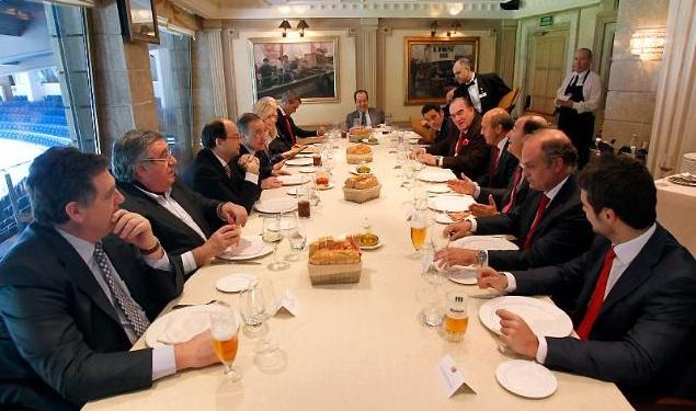 Concordia en la comida de directivas defensa central for Puerta 57 restaurante madrid