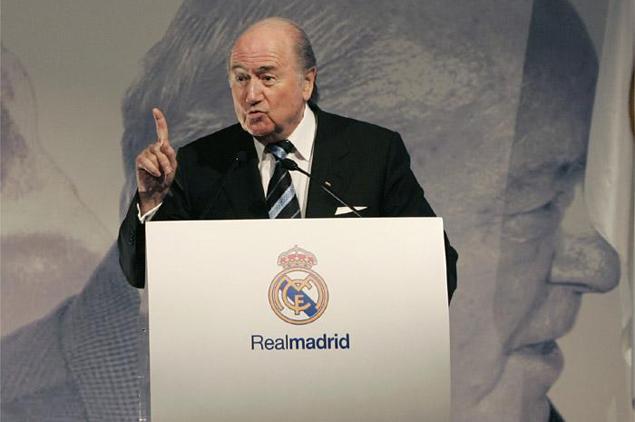 Blatter la vuelve a liar con el Real Madrid