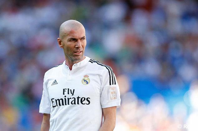��� ����� ����� :  ��� ����� �� ������ . Zidane_Veteranos_Den