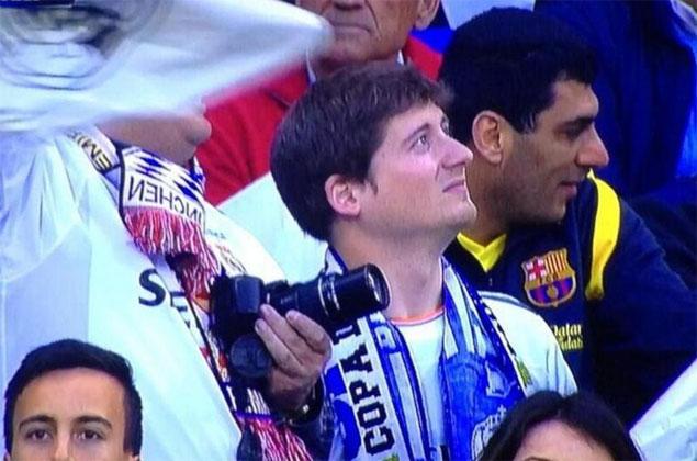 Un aficionado culé en el Bernabéu. Vía: Mundo Deportivo