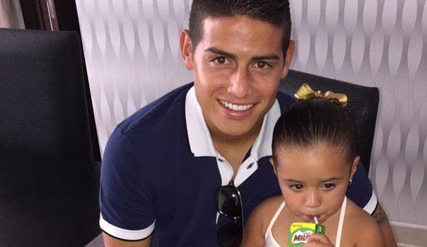 James Rodr�guez y su hija