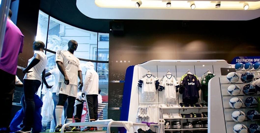 1dba876acb772 El Real Madrid abrirá su segunda tienda oficial en Barcelona ...