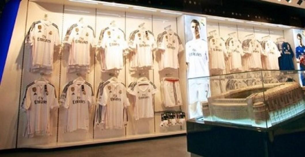 f444c7bb1cc35 El Real Madrid abre una tienda en Las Ramblas