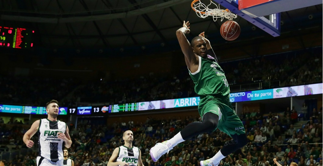 Will Thomas en un partido con Unicaja