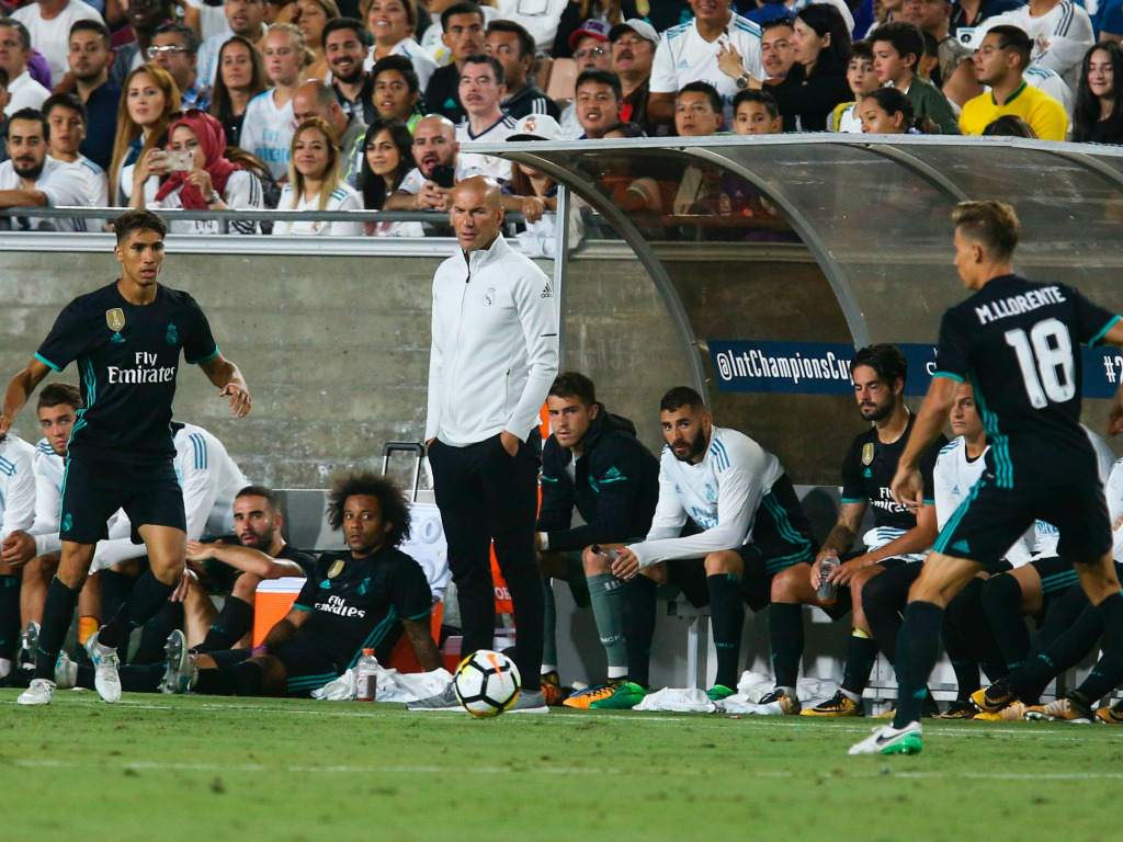 Zidane mirando partido vs City