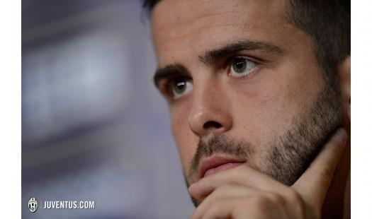 Pjanic en el open Media Day
