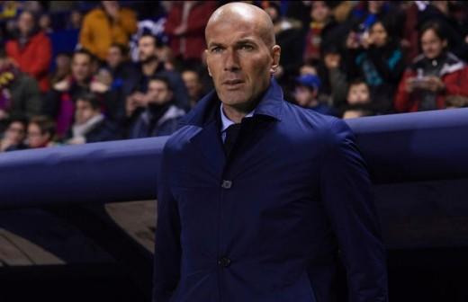 ¿Qué pasó en el vestuario del Madrid en el descanso?