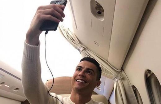 Gary Lineker 'carga' contra Cristiano Ronaldo