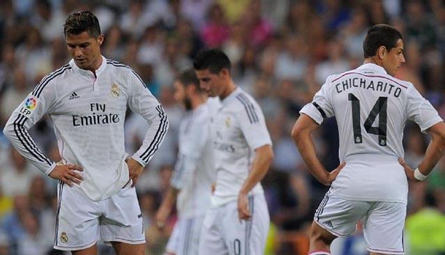 Jugadores del Real Madrid cabizbajos